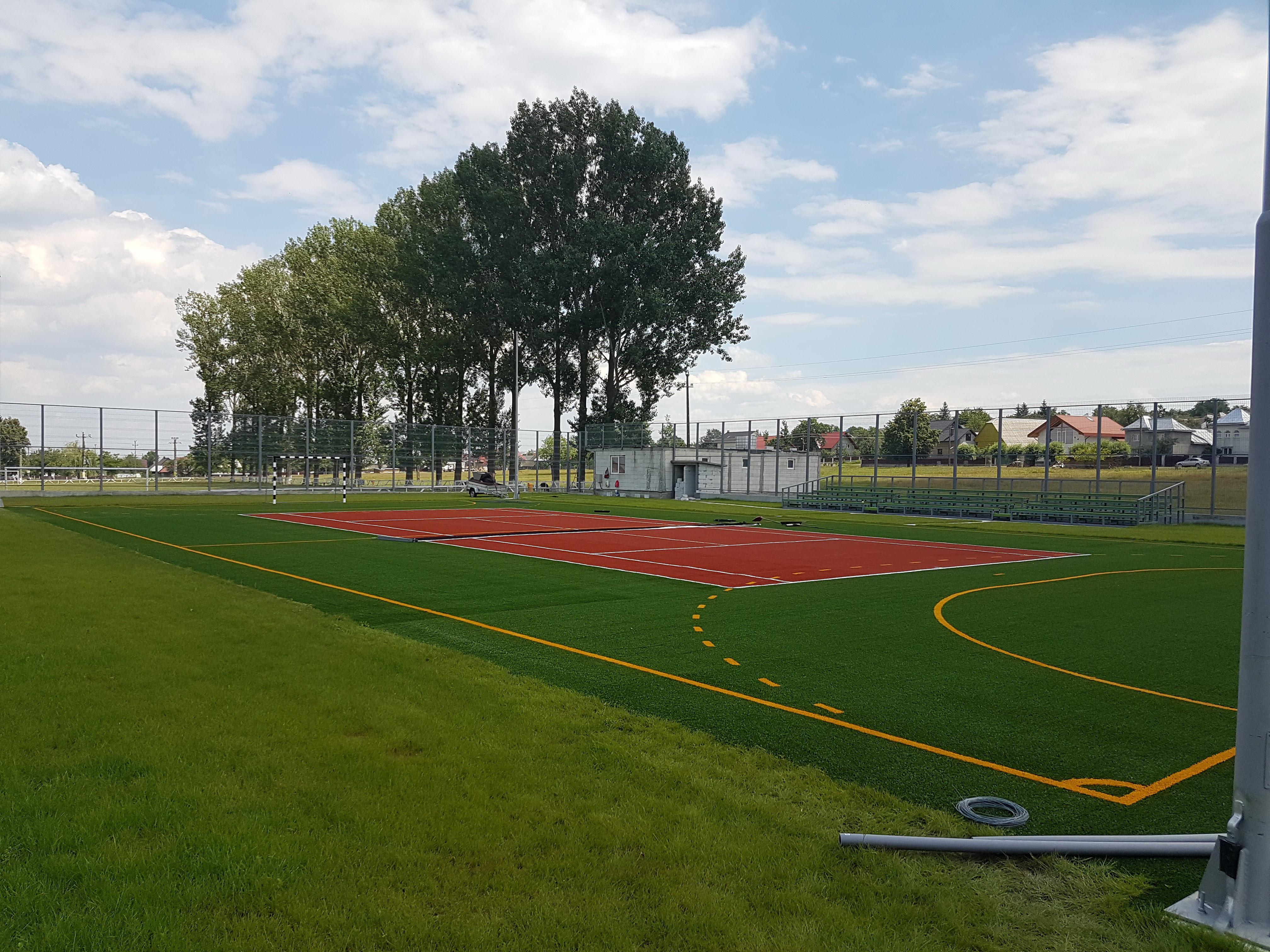 Teren multisport fotbal+tenis Volovăţ, jud Suceava